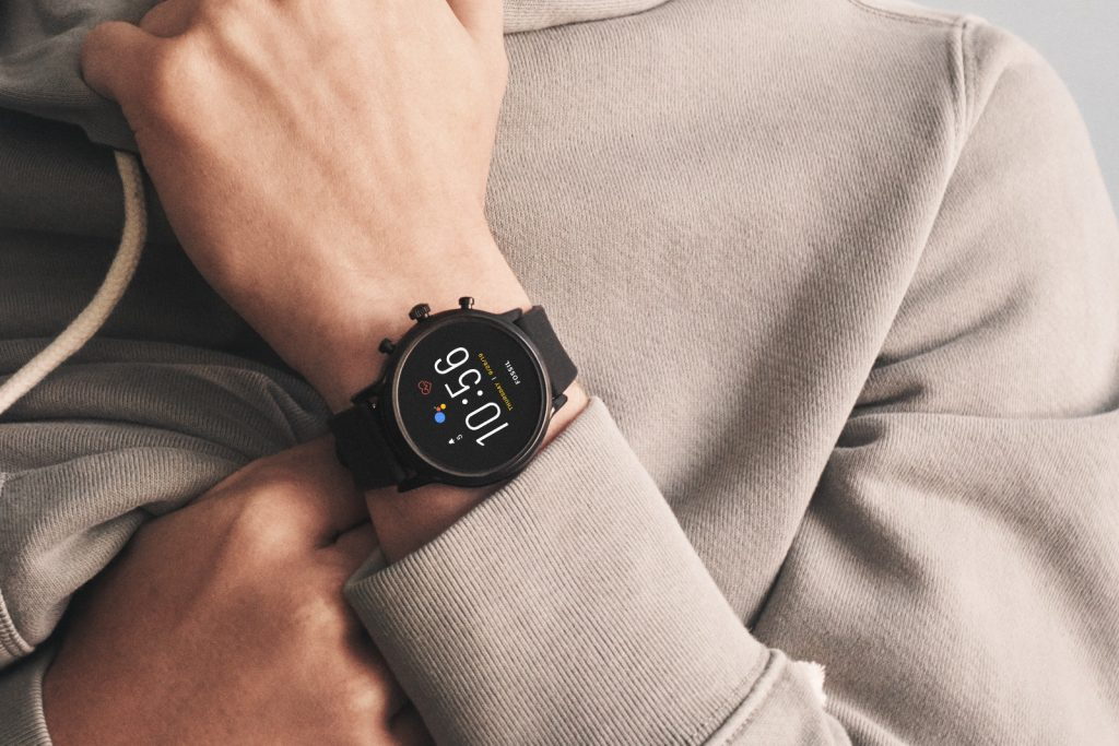 Fossil Gen 5 smartwatches:make calls using iPhone and Android